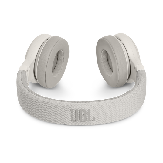 JBL E45BT - White - Wireless on-ear headphones - Detailshot 3