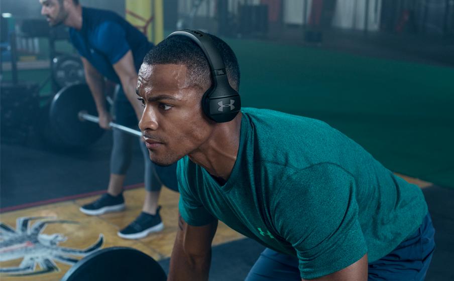 Mirar atrás Chip Intacto  UA Sport Wireless Train – Engineered by JBL   Auriculares supraaurales  inalámbricos diseñados para el gimnasio